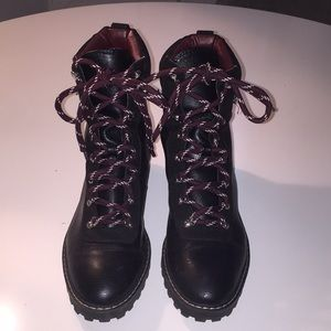🌸 H&M 🌸 Black Leather Combat Boots